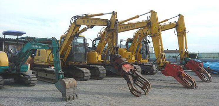 解体作業に使用する建設機械